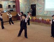 Воспитанники детского сада приветствуют участников семинара