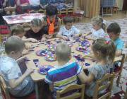 """Игры детей """"Нетающие льдинки"""" с воспитателем  Мордвиновой О.С."""